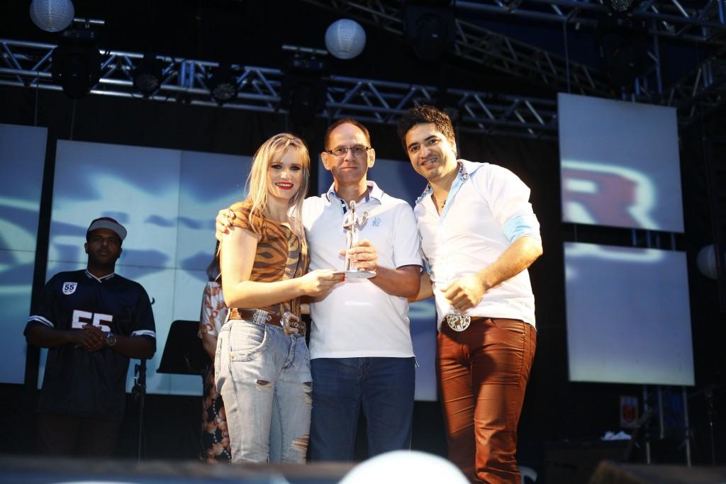 Mary e Cristiano, vencedores na categoria Sertanejo
