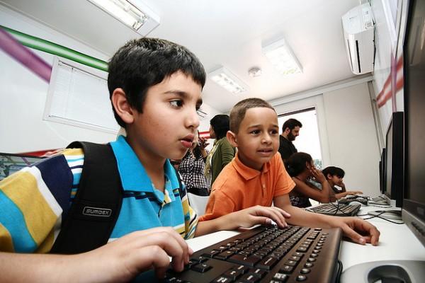 crianca-computador-e1307474110484